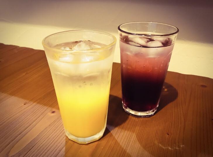 オレンジソーダとグレープソーダ