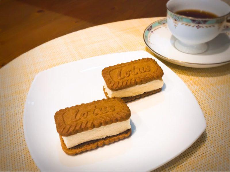 カルディ ロータスカラメルビスケットのアイスサンドクッキー