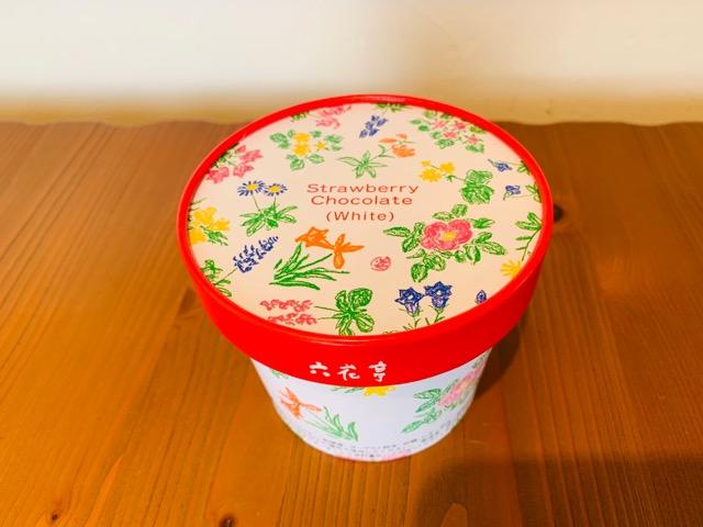 六花亭 ストロベリーチョコホワイト パッケージ