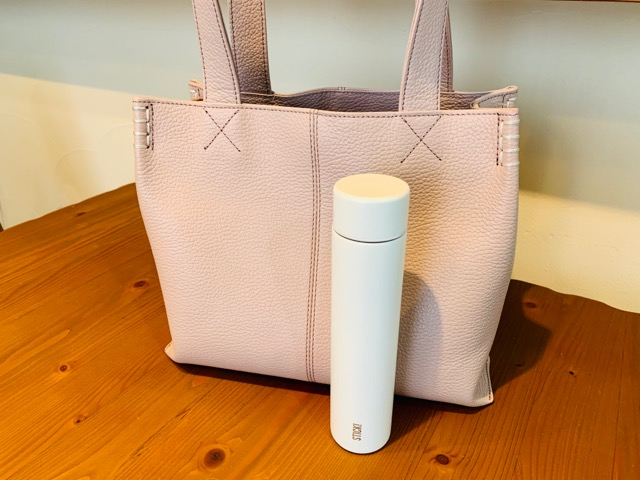 ミニ水筒とバッグの比較