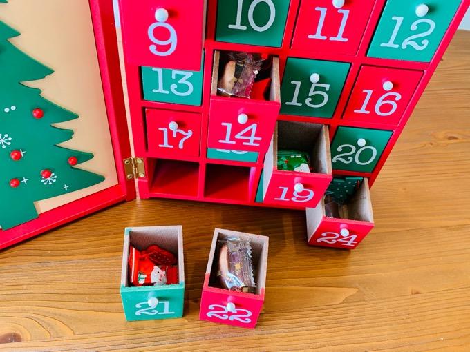 カルディ 木製アドベントカレンダー ウッドブックカレンダー